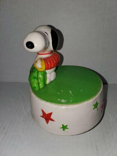 Vintage Peanuts Snoopy Music Box
