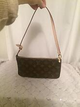 Valentines Brand new auth Louis Vuitton pochette nm Canning Vale Canning Area Preview