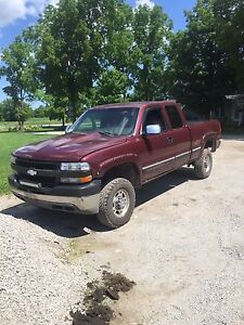 PARTING OUT 2002 Chevrolet 2500HD Duramax 4X4