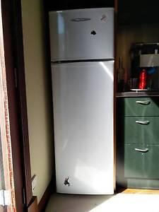 250 liter fridge/freezer in need of re-gas Bassendean Bassendean Area Preview