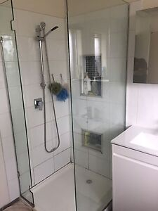 Shower screen Gladstone Park Hume Area Preview