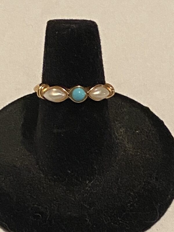 Vintage Avon Faux Turquoise and Faux Pearl gold-tone ring size 6