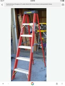 NEW 6' FEATHERLITE FIBERGLASS LADDER