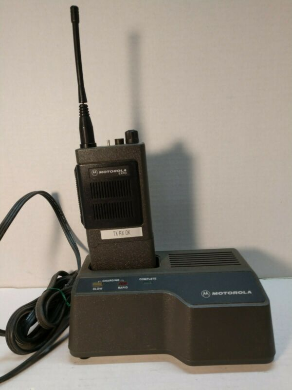Motorola EXPO H24XPU3120AN Portable Radio. Working with charger, Battery & Ant.