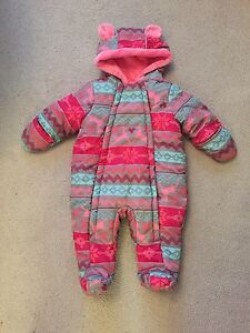 3-6Month snow suit (like new)
