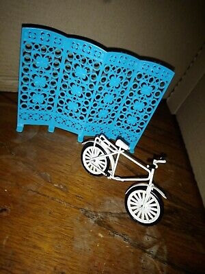 Dolls House Furniture bundle room divider and vintage bike