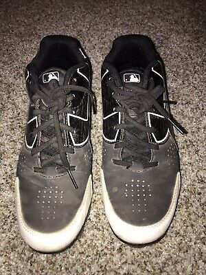 UNDER ARMOUR BASEBALL CLEATS / BLACK WHITE ( SIZE 6Y ) YOUTH