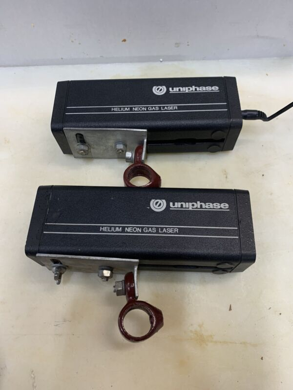2 UNIPHASE NOVETTE HELIUM NEON GAS LASERS MODEL 1508-0 FedEx Shipping
