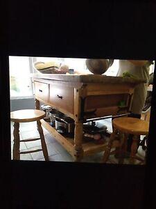 Ilot salle manger cuisine dans qu bec petites for Kijiji montreal table de salle a manger en melamine blanc