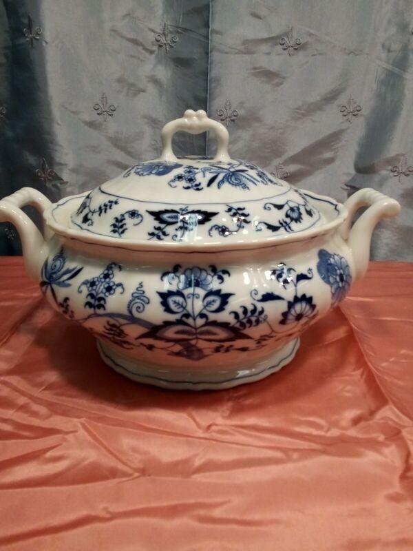 Vintage Blue Danube Casserole Serving Bowl With Lid