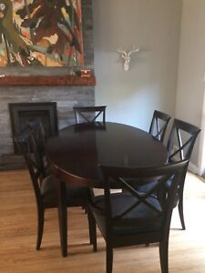 Beautiful dining room table and 6 chairs, must go asap