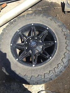 33*12.50R18LT tires and rims