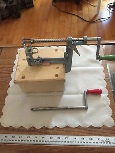 Pampered Chef Apple Peeler/Corer/Slicer