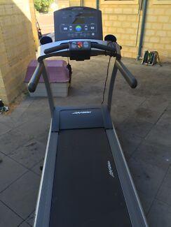 LIFE FITNESS T5 Treadmill  Hillarys Joondalup Area Preview