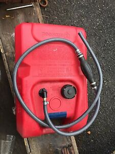 Attwood 6 gallon fuel tank and hose