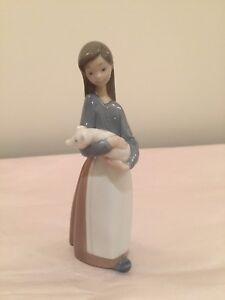 Lladro Daisa figurine Girl with pig