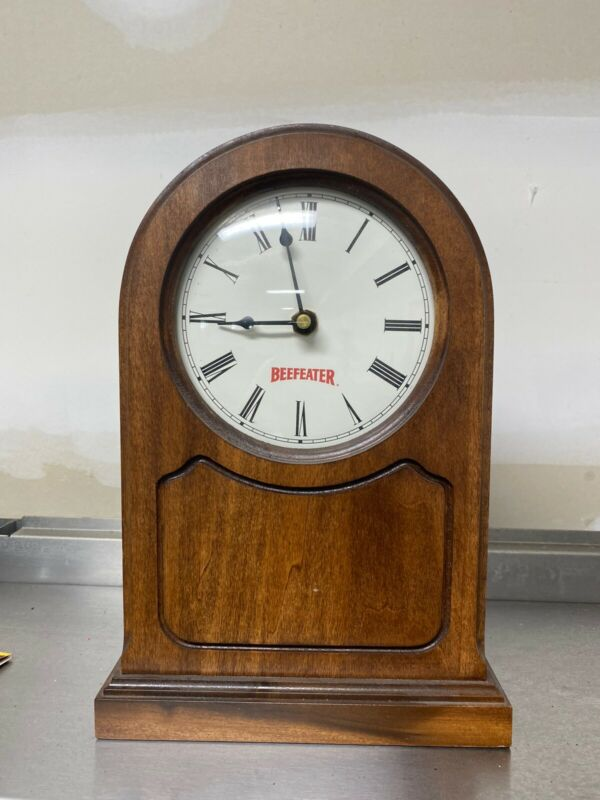 Vintage Beefeater Gin Wood Clock Bar Man Cave Decoration