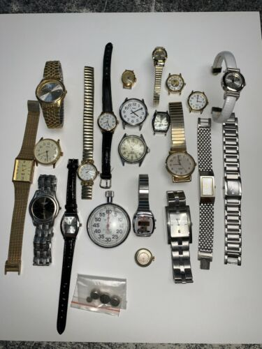 MIXED LOT OF 22 MISCELLANEOUS WRIST WATCHES AND WATCH FACES SEIKO TIMEX PULSAR