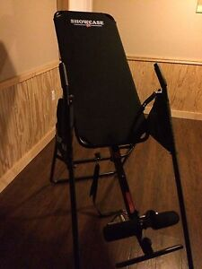 Showcase inversion table
