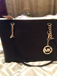 Authentic Brand New Michael Kors Leather Purse