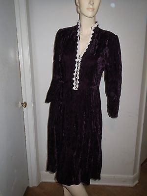 Gunne Sax Vintage Dark Purple Crush Velvet Faux Pearl and lace trim collar