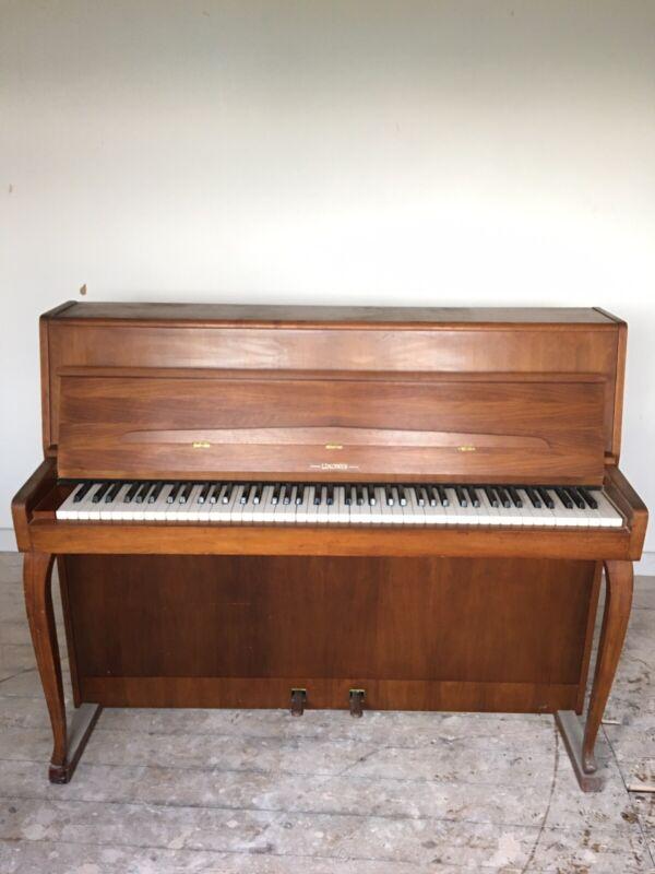 Shannon Lindner Ireland Piano