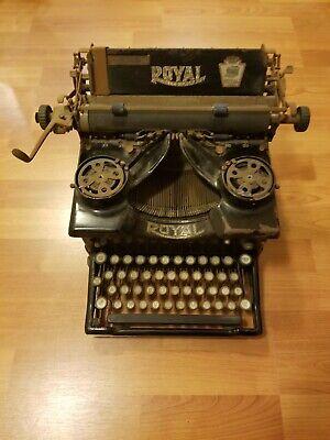 Antique Vintage Model 10 Royal Typewriter with Beveled Glasses