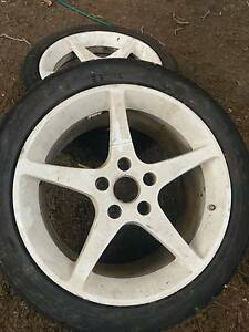 White 5 spoke rims. 1 is broken and tyres. 17 inch Good for Tyres Mount Colah Hornsby Area Preview