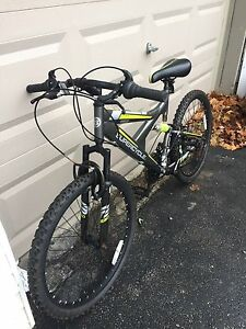 Full suspension 21 speed bike in great shape!