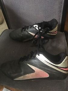 Size 3 soccer cleat
