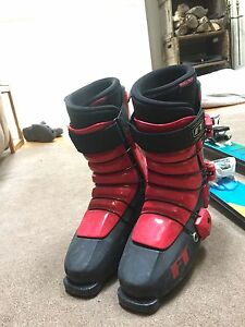 Volkl Wall Skis | Full Tilt Boots | Marker Griffon Bindings Oakville / Halton Region Toronto (GTA) image 4