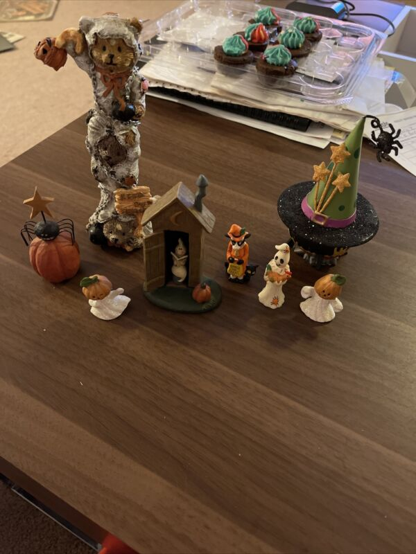 Mixed Lot Of Halloween Decorations
