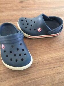 Boys crocs size 6/7