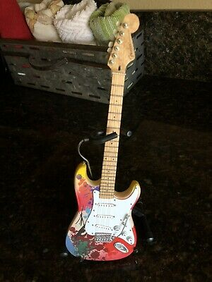 Eric Clapton Mini Guitar - Fender Stratocaster