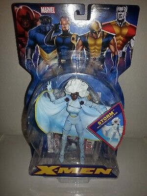 2005 Toybiz Marvel X-Men White Storm With Poseable Display Base](Storm X Men Cape)