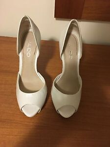 Size 5 Aldo shoes