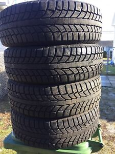 p225/65/17 inch Winter Tires / LOTS OF TREAD / GOOD DEAL