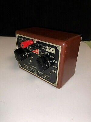 Cornell-dubilier Decade Capacitor Box Model Cda - Cda2 Vintage Sn 83763