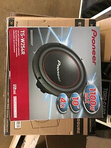 """Pioneer 10"""" sub and box. Brand New"""