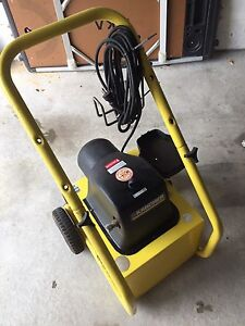 KARCHER POWERWASHER