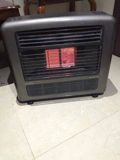 RINNAI NATURAL GAS HEATER QUICK SALE Liverpool Liverpool Area Preview