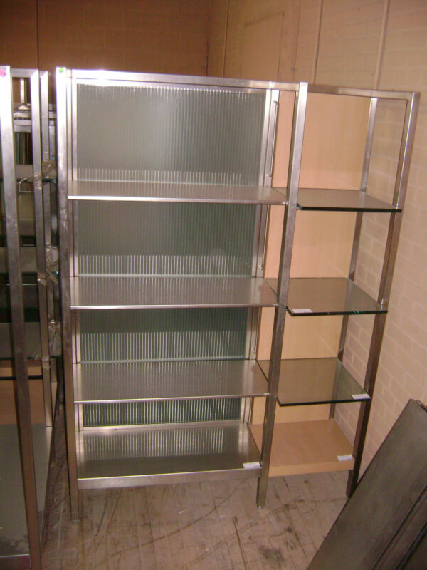 LARGE RETAIL GLASS & METAL SHELVING /  MODERN RETAIL DISPLAY STAND
