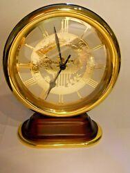 Smithsonian Bulova Quartz Desk Clock USA Great Seal Eagle gold tone heavy, works