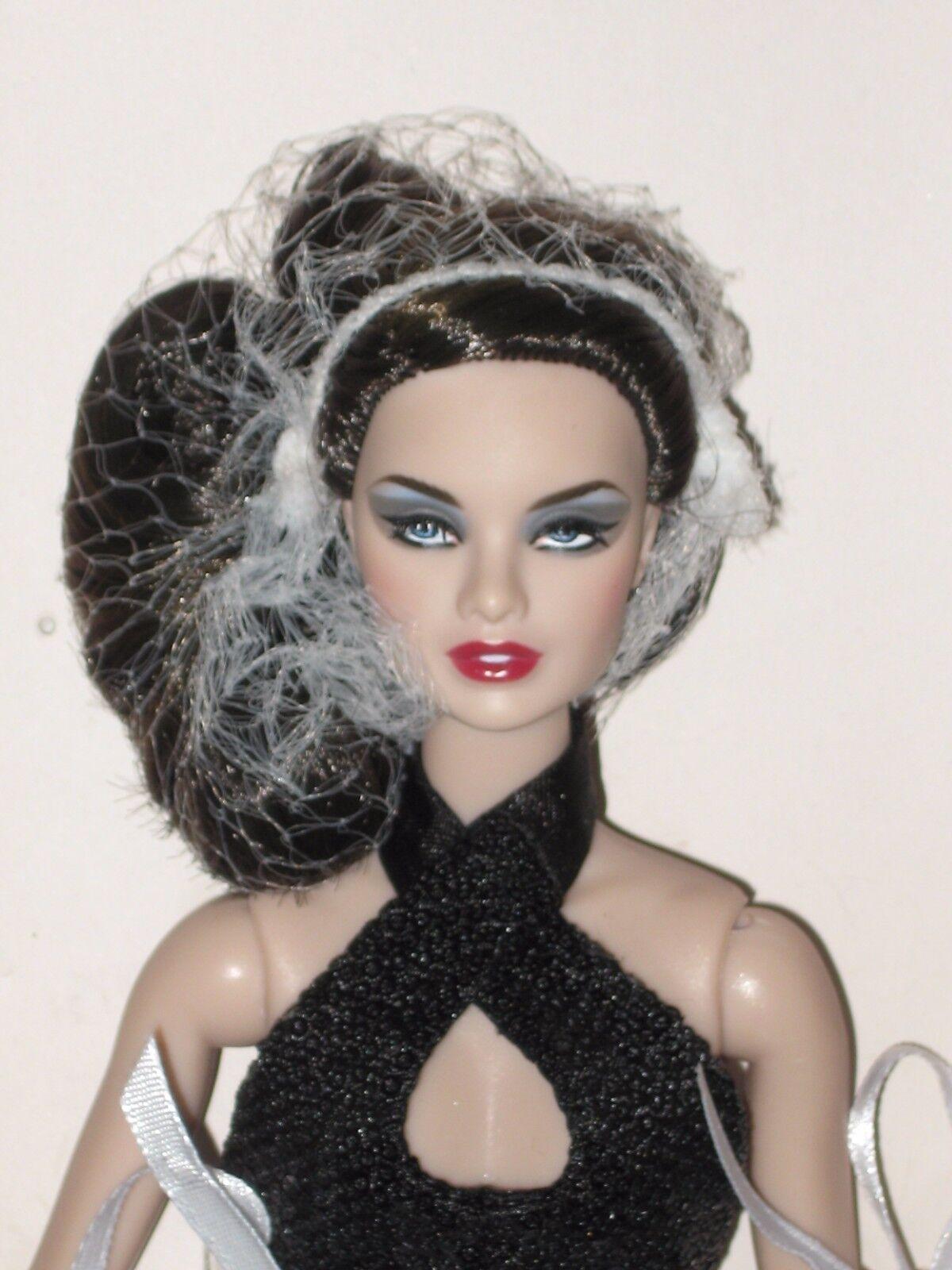 Fashion Royalty doll FR2 Gloss Convention NU.FACE Chrome Noir Erin Salston NRFB*