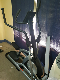 Pre-owned Cross Trainer