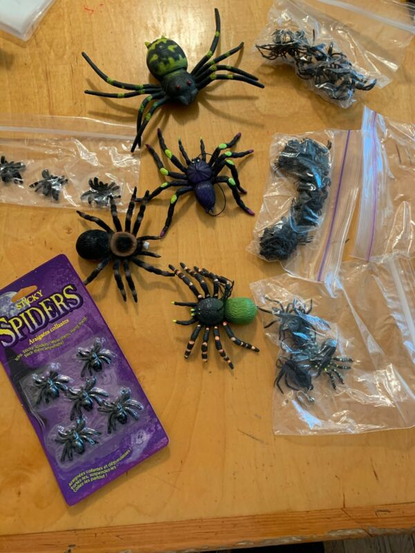 large lot of haloween spiders p51