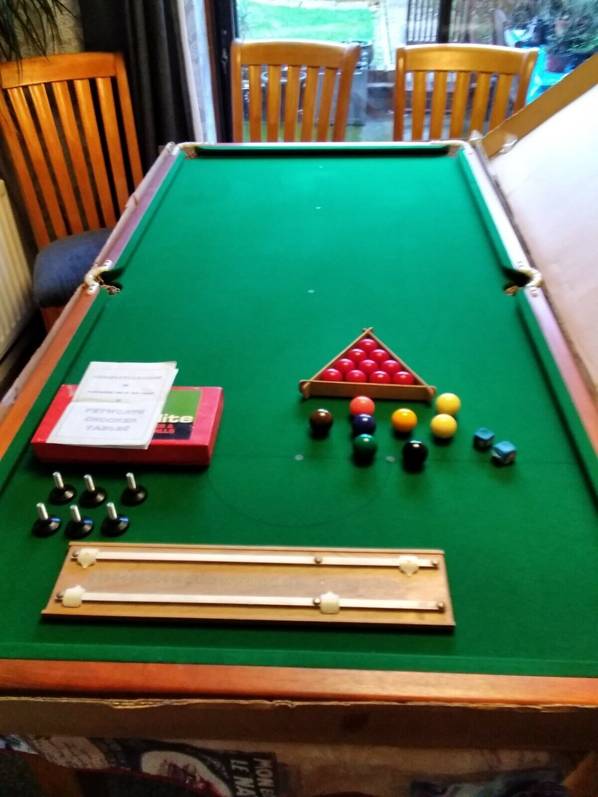 Petworth House Snooker Table 6 x 3 Including Balls Cues Triangle Scoreboard