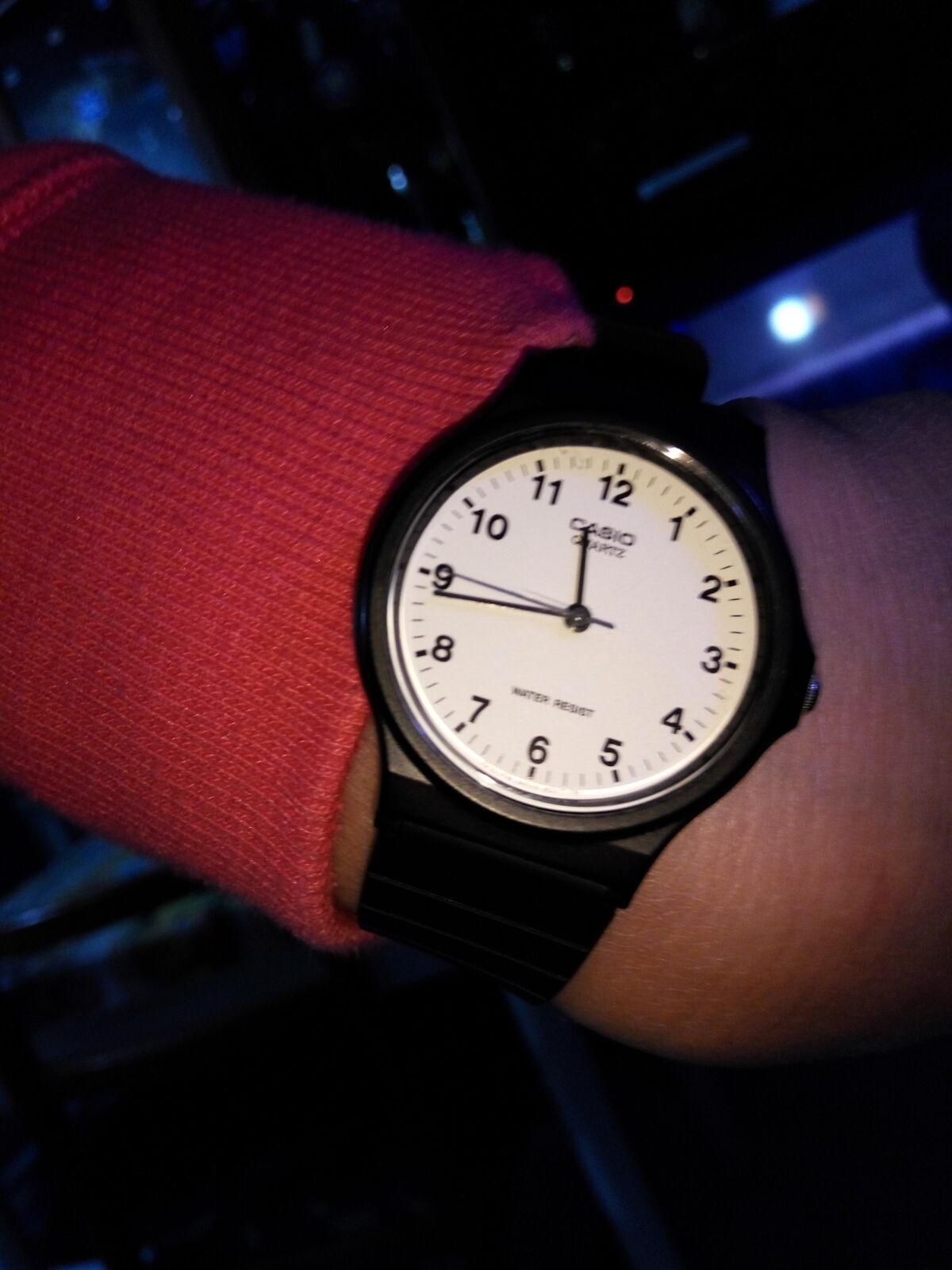 a1e4e96756fc Opiniones  Reloj-Casio-Mq-24-7bll-Analogico-negro-retro-clasico-redondo- original-nuevo