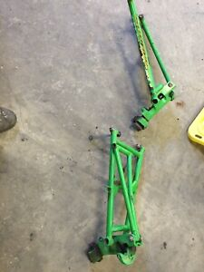 2004-2007 Arctic cat 440 a-Arms and spindles might fit firecats?
