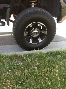 BFgoodrich Ko2 tires and XD spry rims